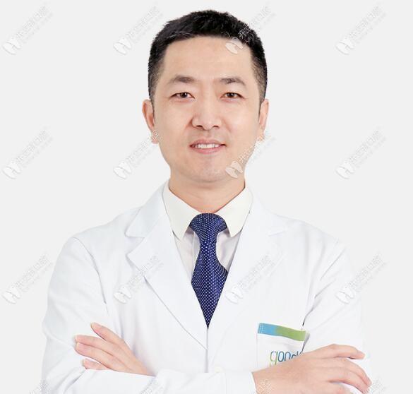 格伦菲尔口腔的杜小润医生做穿颧穿翼板种植牙技术咋样