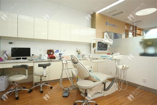 哈尔滨赛弗口腔的诊疗室