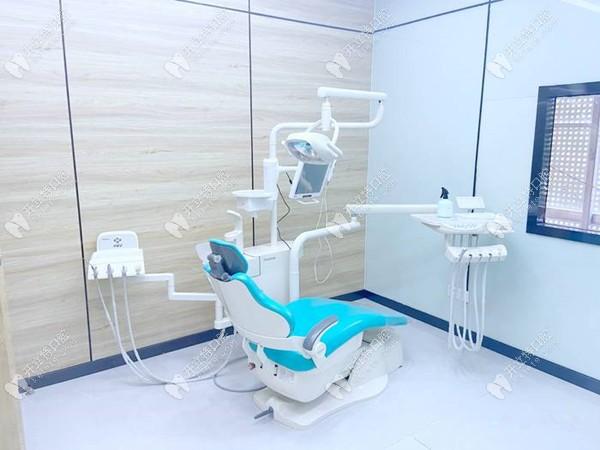 咿呀口腔诊疗室