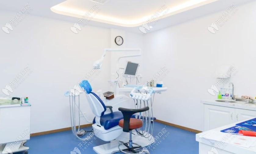 昆山六贝口腔的就诊室